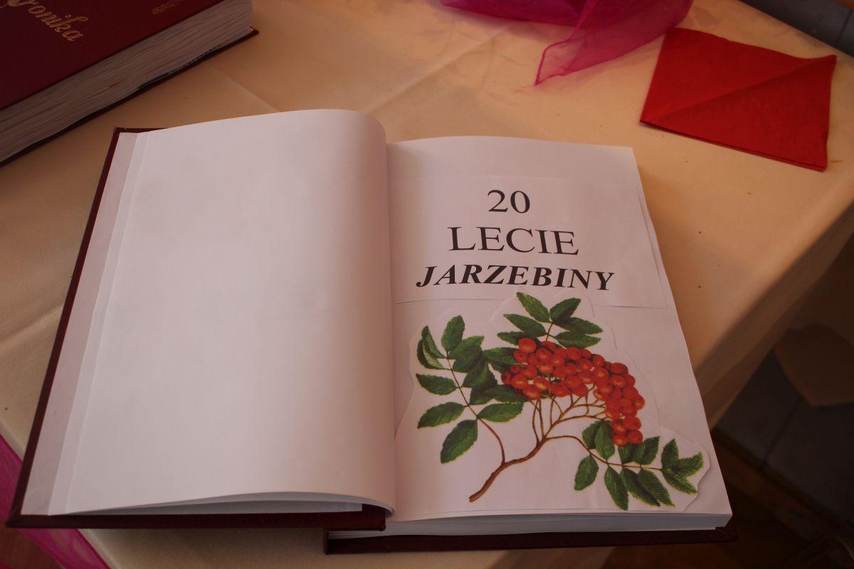 Ilustracja do informacji: Jubileusz 20 lecie Zespołu Jarzębina