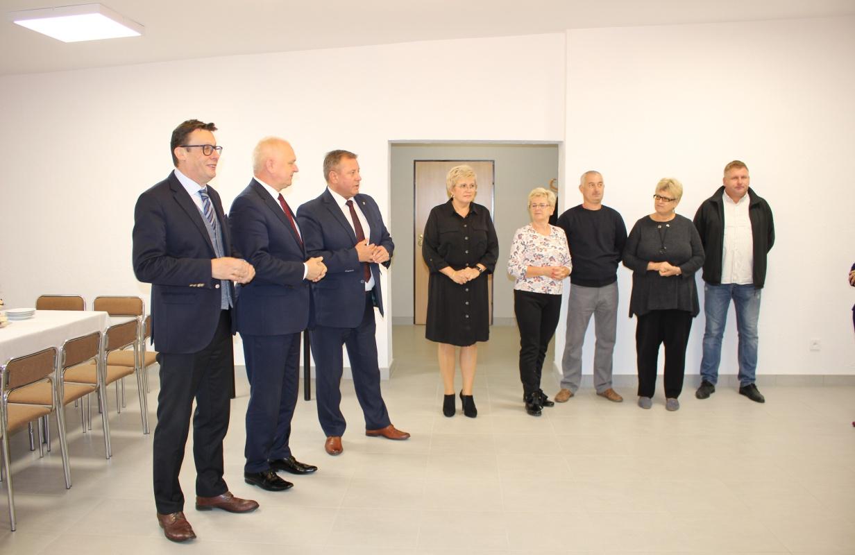 Ilustracja do informacji: Wizyta Wojewody Lubuskiego w Klubie Seniora w Mirostowicach Górnych