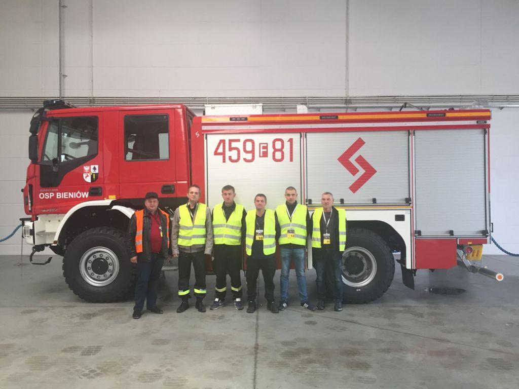 Ilustracja do informacji: Nowy samochód dla strażaków z Bieniowa