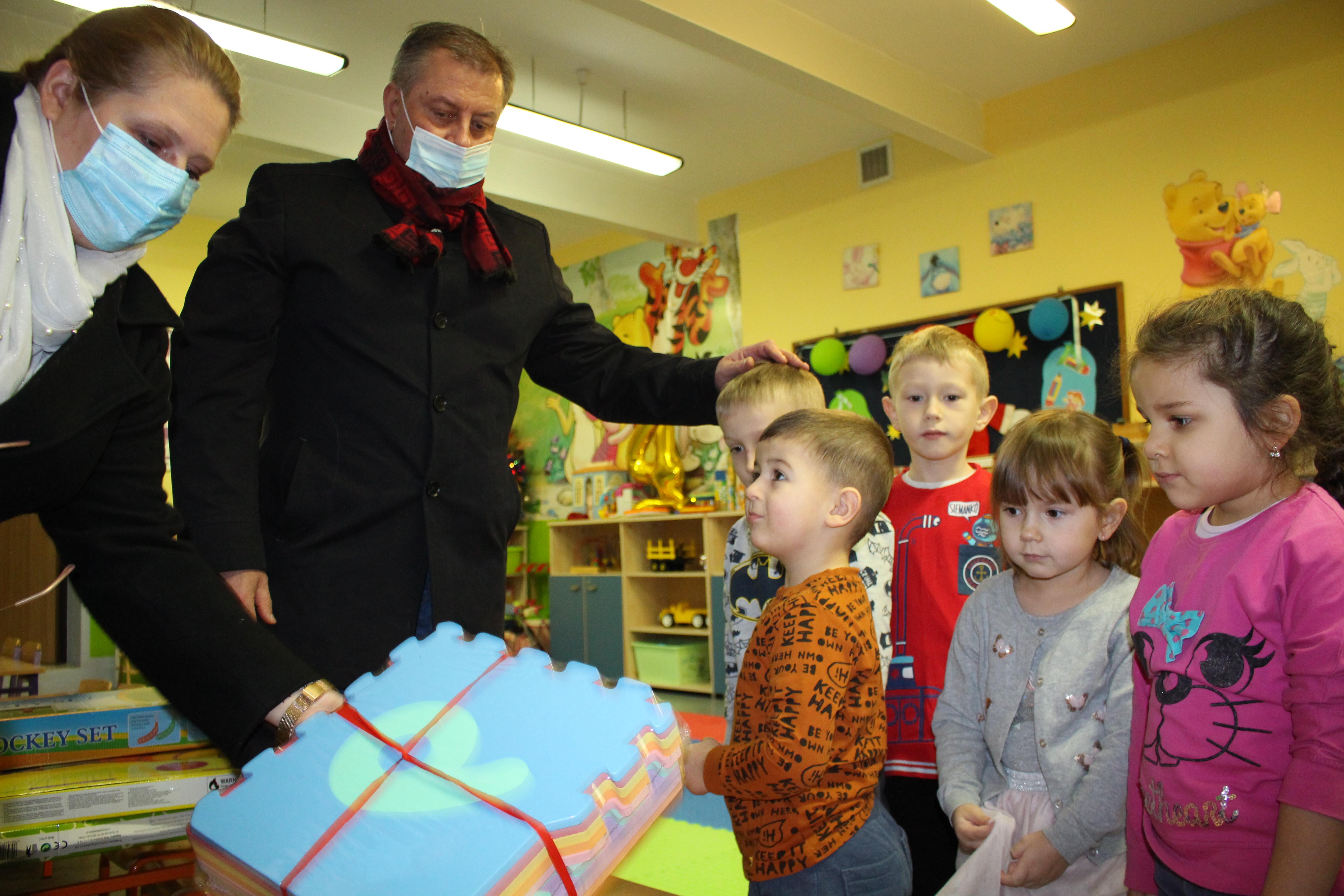 Ilustracja do informacji: Prezent dla przedszkolaków z Olbrachtowa